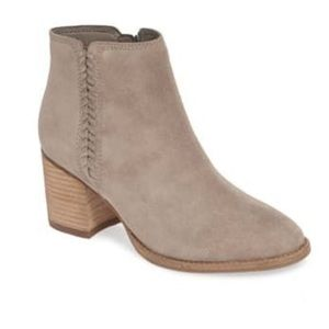 Blondo Nina Waterproof Tan Suede BootIes